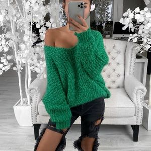Cuddle Sweater in Green ekattire